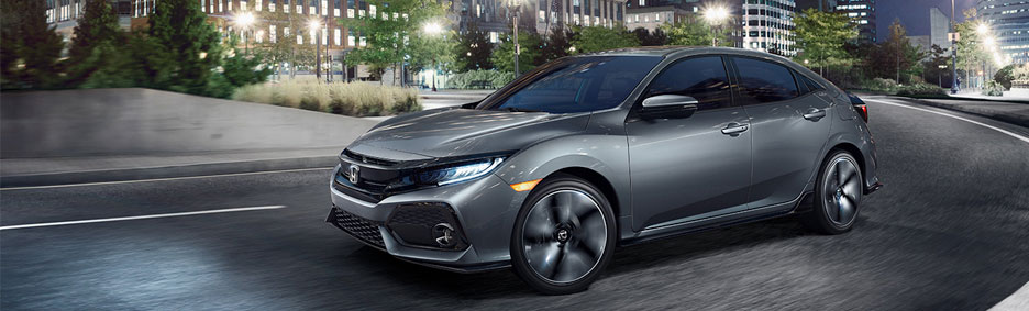 In The Civic Lineup And 2017 Model Earned High Praise All Star Awards You Can Opt For This Five Door Hatchback Three Pedal Sport Trim